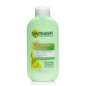 Garnier Essentials Make-Up Remover Milk Detoxifying Grape Extract 200ml